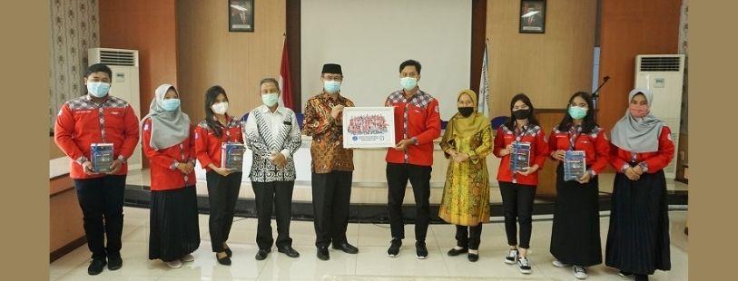 Penyerahan Hibah Buku Untuk Mahasiswa Universitas Medan Area Penerima Beasiswa Bank Indonesia